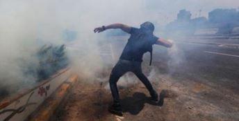 Crisi in Venezuela, tre minori rimasti uccisi negli scontri