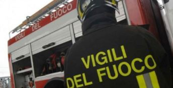 Autocarro in fiamme nel Vibonese, illeso il conducente