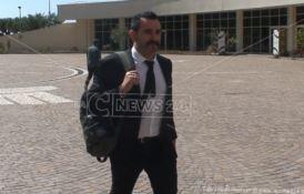Le Iene tornano in Calabria, blitz dal commissario alla sanità Cotticelli