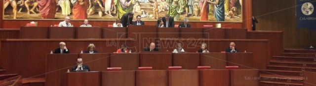 Consiglio regionale, seduta pre-elettorale con melassa bipartisan