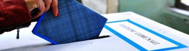 Urne aperte a Lamezia e Isola per i ballottaggi. Cittadini chiamati a scegliere i nuovi sindaci