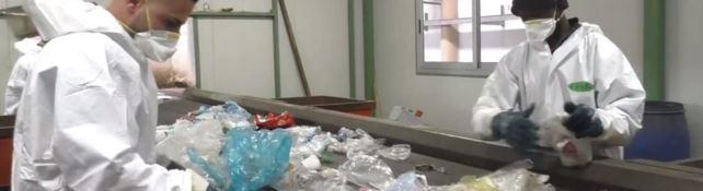 I calabresi non sanno separare i rifiuti. Il 30% della differenziata finisce in discarica