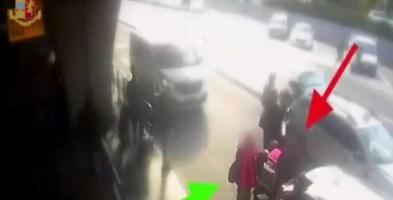 Chiede l'uso del tassametro e il tassista gli spacca la faccia: il video
