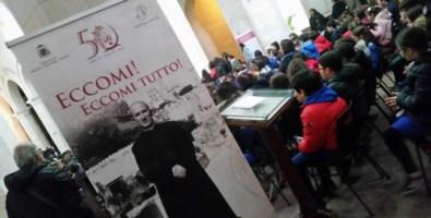 """Tropea, i piccoli alunni della città """"Sui passi di don Francesco Mottola"""""""