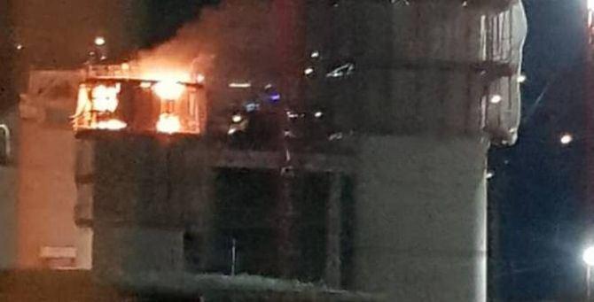 L'incendio divampato nella pila 13 del nuovo viadotto di Genova - Fonte Ivg