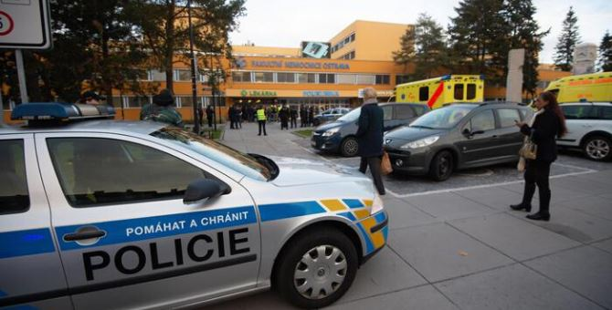 Sparatoria in ospedale, foto Ansa
