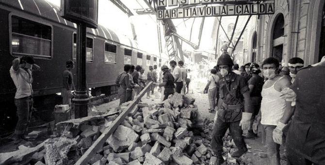 L'attentato terroristico alla stazione di Bologna il 2 agosto 1980