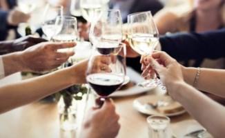 Il pranzo di Natale del Comune finisce male: decine di intossicati e un morto