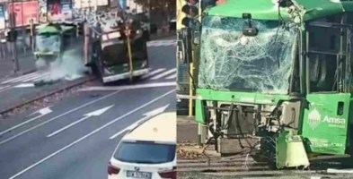 Scontro tra filobus Atm e camion rifiuti Amsa a Milano
