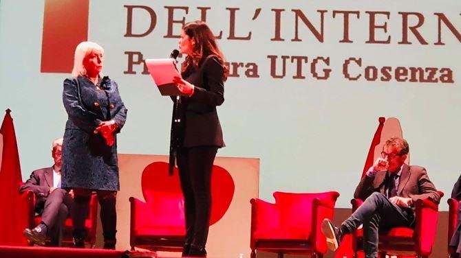 Cinzia Falcone e Paola Galeone insieme sul palco del Teatro Rendano