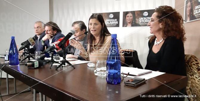 La conferenza stampa di Jole Santelli