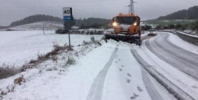 Prime intense nevicate in Sila, al lavoro i mezzi dell'Anas