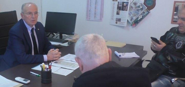 La conferenza stampa dell'ex sindaco Valerioti dopo lo scioglimento