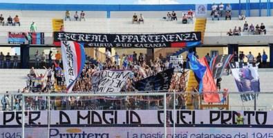 Aggressione sul traghetto per Villa, Daspo per il capo ultrà del Catania