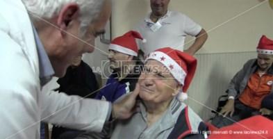 """Le """"Note di Natale"""" emozionano gli ospiti del San Vitaliano"""