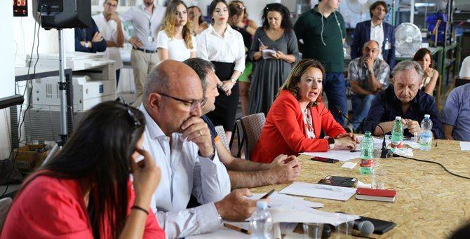 L'assessore Mariateresa Fragomeni nella recente riunione a Crotone sul Corap