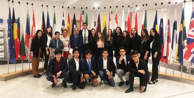 Locri, i ragazzi del Liceo Zaleuco in viaggio premio a Bruxelles