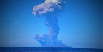 Eruzione dello Stromboli, allerta tsunami rientrata in Calabria