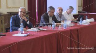 Rifiuti, ecodistretto a Morano e due nuove discariche per superare l'emergenza
