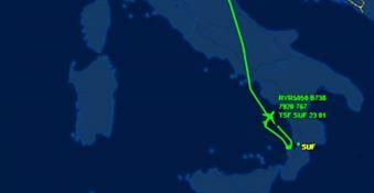 Volo diretto a Lamezia dirottato a Bari
