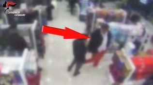 Falso cieco filmato dai carabinieri