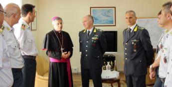 Lamezia, il neo vescovo Schillaci in visita alla Guardia di finanza