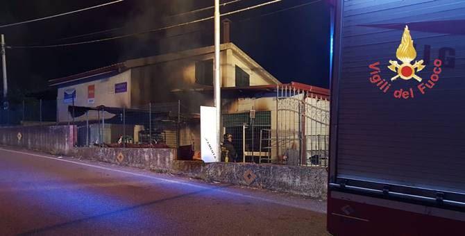 La struttura interessata dall'incendio a Gimigliano