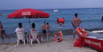 Soverato, due ragazzini salvati a 80 metri dalla riva dal bagnino