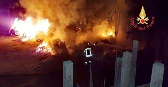 Incendio divampa in un cantiere edile di Catanzaro, indagini in corso