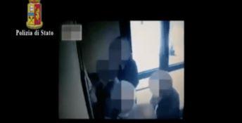 Furbetti del cartellino all'ospedale di Napoli, 62 indagati tra medici e infermieri