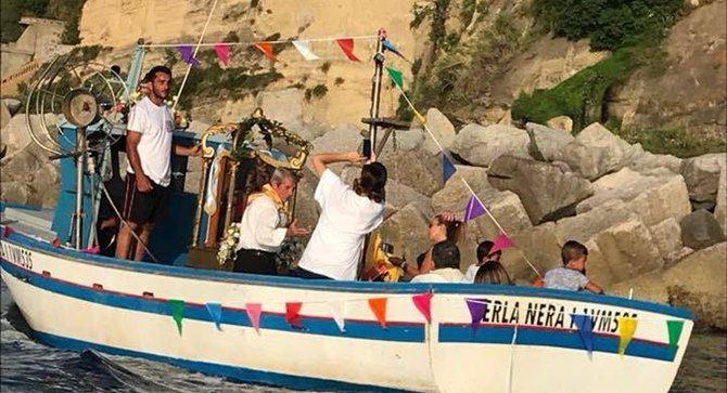 La processione a mare