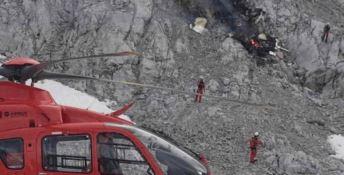 Scontro in volo tra aerei al confine tra Francia e Italia: due morti e un ferito