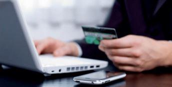 False offerte di lavoro, la Polizia postale: «Attenzione alle truffe online»