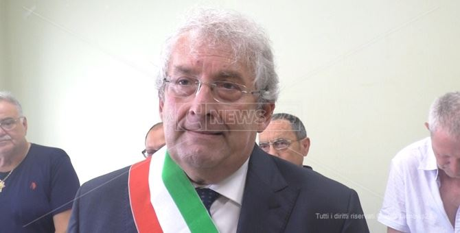 Il neo sindaco di Diamante Ernesto Magorno