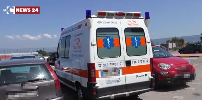 Ambulanza sotto il sole