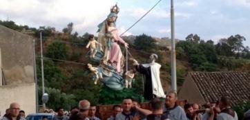 Salta la processione nel quartiere feudo dei boss, il parroco: «Nessuna imposizione»