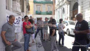Reggio, sit-in strutture psichiatriche: lavoratori ancora senza stipendio