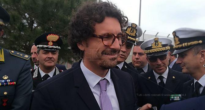 L'arrivo del ministro Toninelli