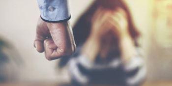 Perseguitava l'ex moglie ed il nuovo compagno, accusato di stalking