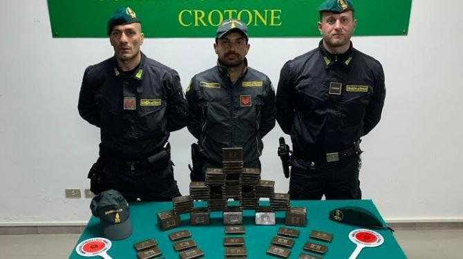 La droga sequestrata a Crotone