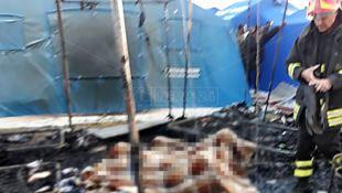 Incendio alla tendopoli, un morto