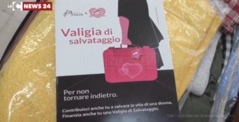 """Reggio, arriva la """"valigia salvataggio"""" per le donne vittime di violenza"""