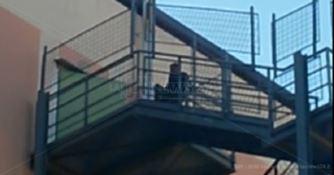 Minaccia di buttarsi dal tetto dell'ospedale, paura a Corigliano