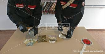 Spaccio di marijuana, ventenne incensurato arrestato dai carabinieri