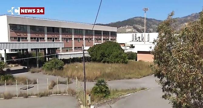 la fabbrica di Saline joniche
