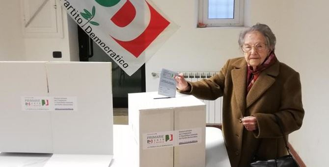 La signora Teresa al seggio
