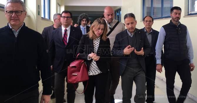 Il ministro Grillo all'ospedale di Locri