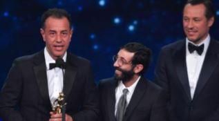 Un momento della premiazione del regista Garrone