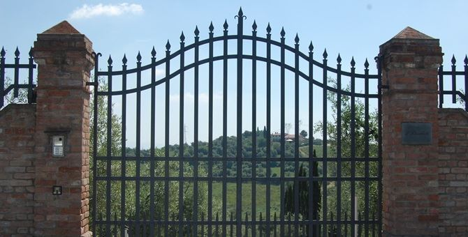 Un cancello - Repertorio