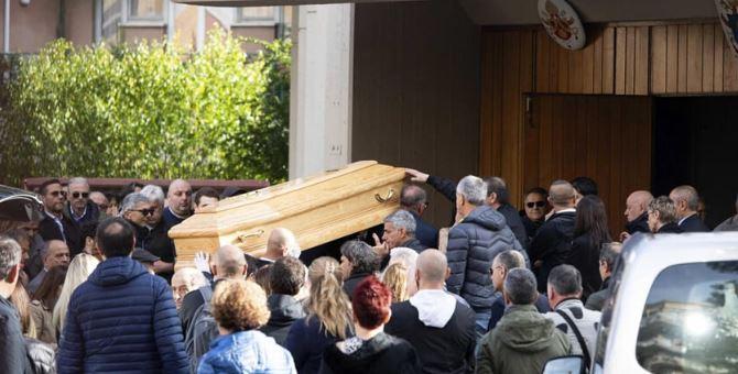 Funerali di Luca Sacchi (foto Ansa Claudio Peri)